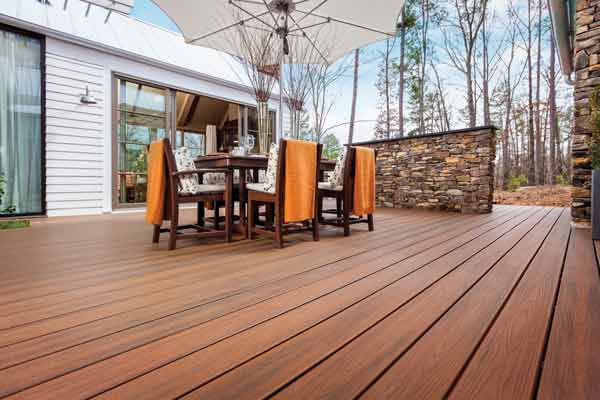 trex-transcend-decking-spiced-rum-elevations-serebe-green-home-outdoor-furinture-dining-set